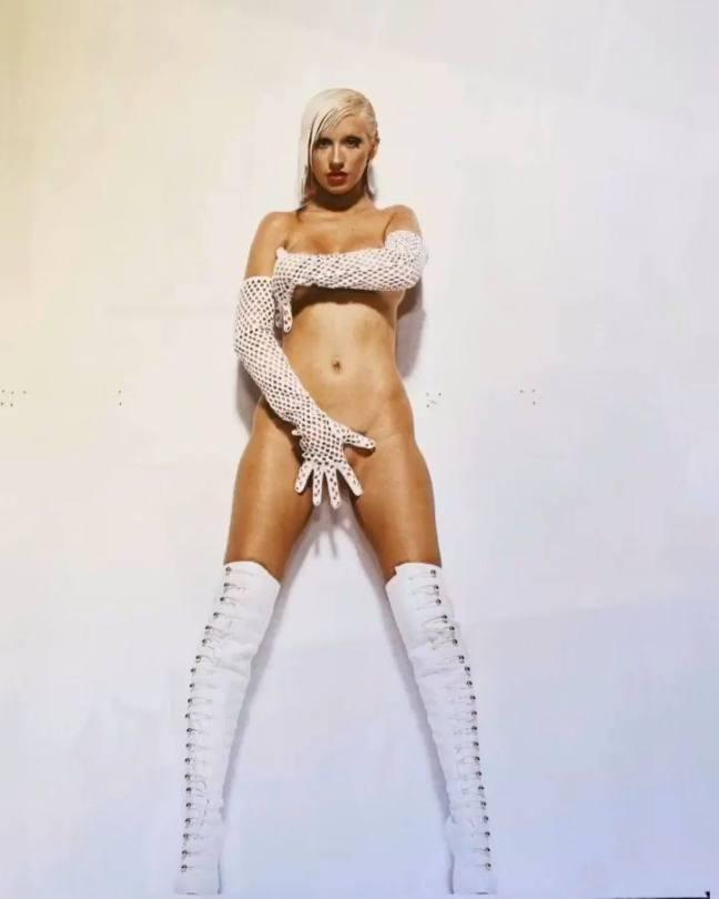 Christina Aguilera Naked Outtakes