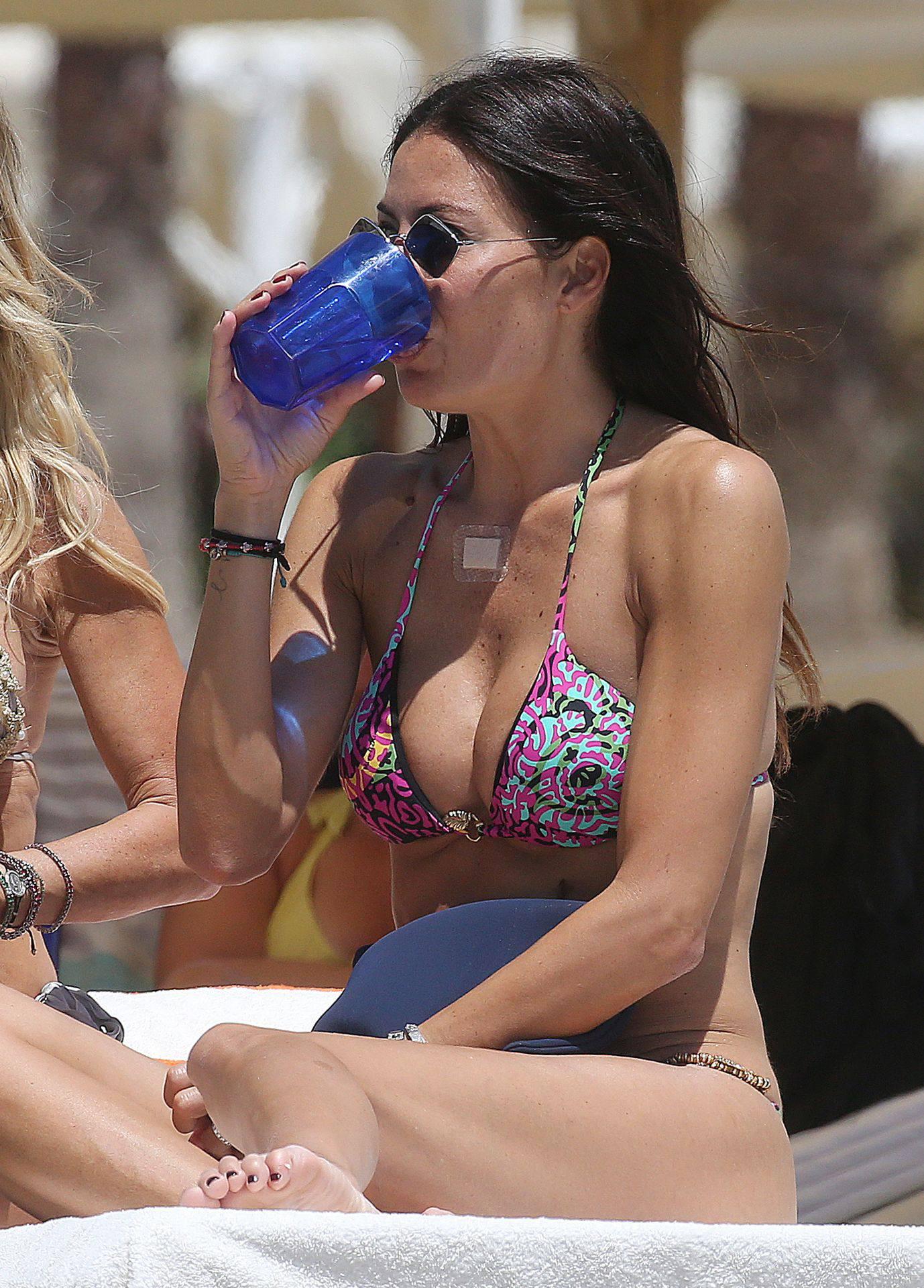 Elisabetta Gregoraci Hot Bikini