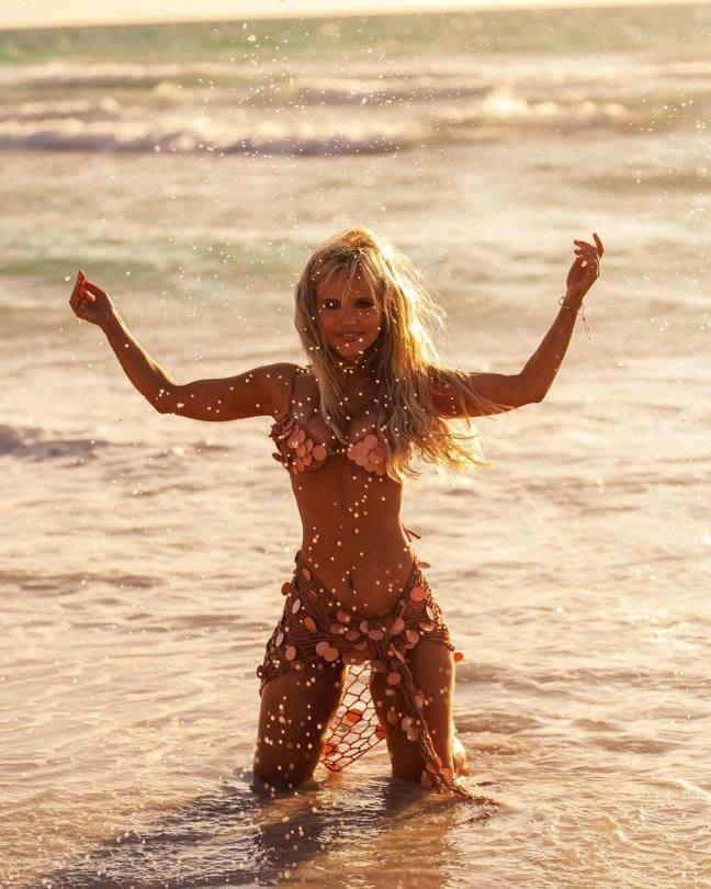 Hilde Osland Beautiful In Bikini