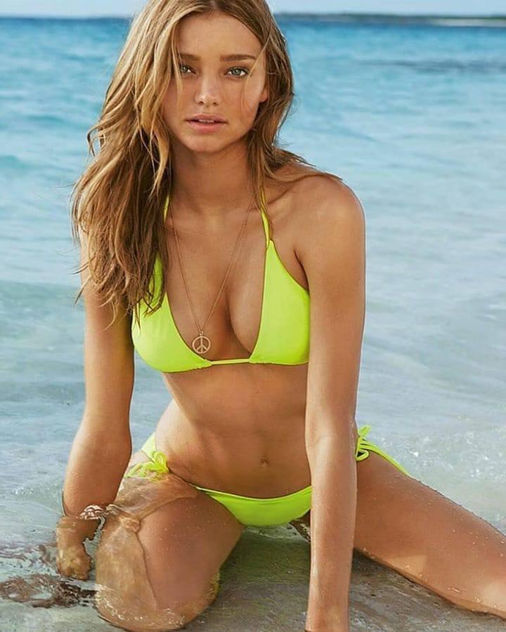Miranda Kerr Hot In Bikini