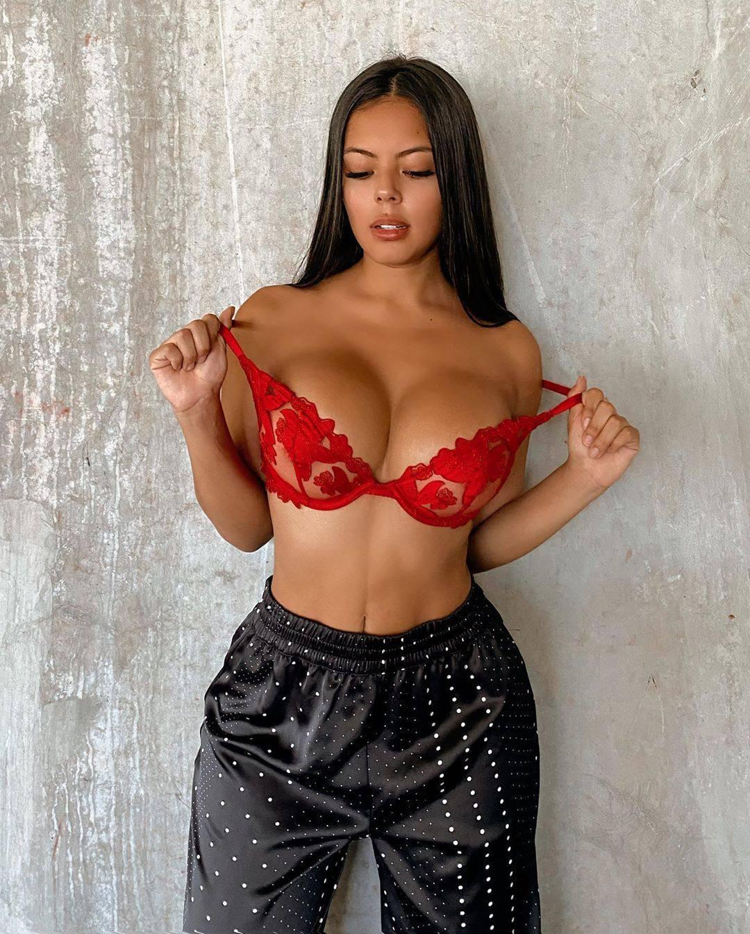Nicole Borda Big Boobs
