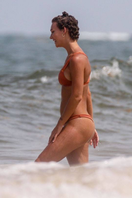 Rachel Cook Ass In Tiny Bikini