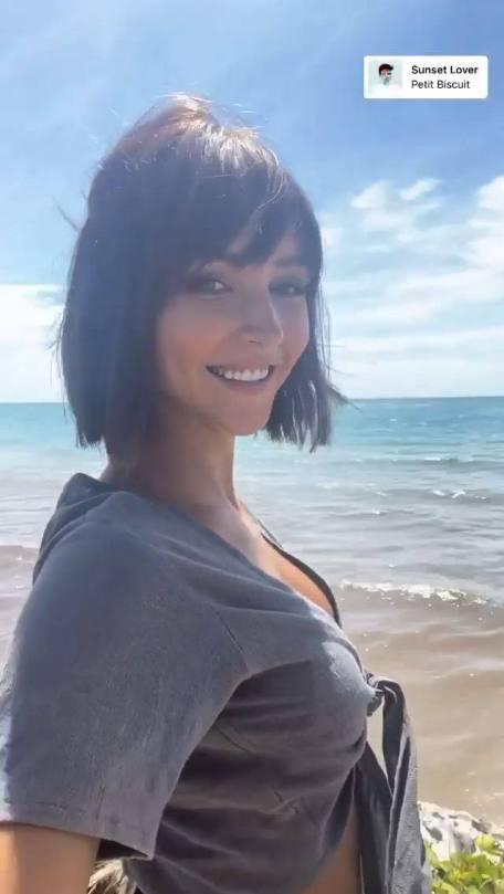 Rachel Cook Sexy Selfie