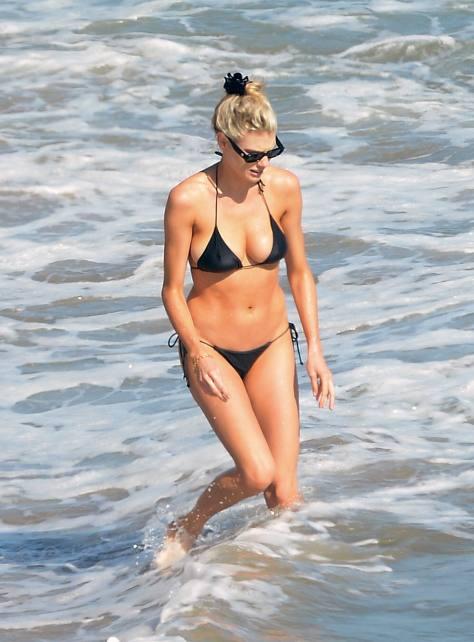 Charlotte Mckinney Sexy Boobs In Bikini