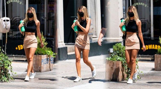 Emily Ratajkowski – Sexy Legs in Mini Skirt Out in New York