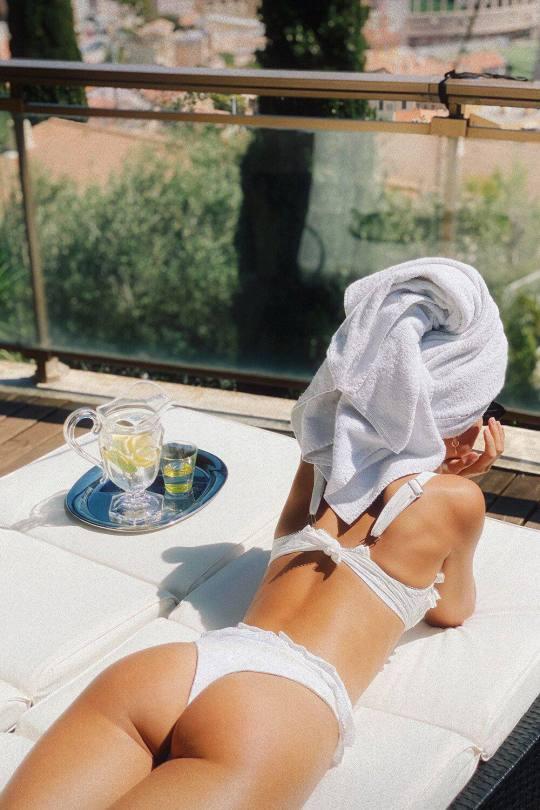 Fria Aasen Sexy Body In Bikini