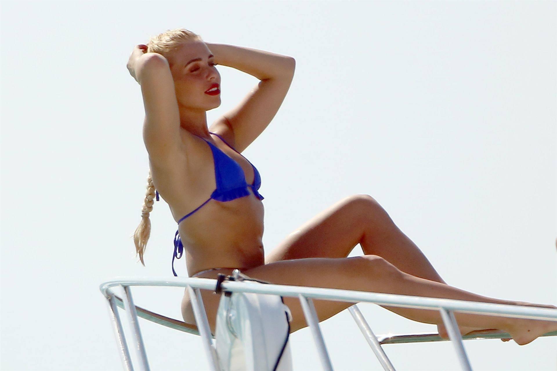 Gabby Allen Sexy Fit Body