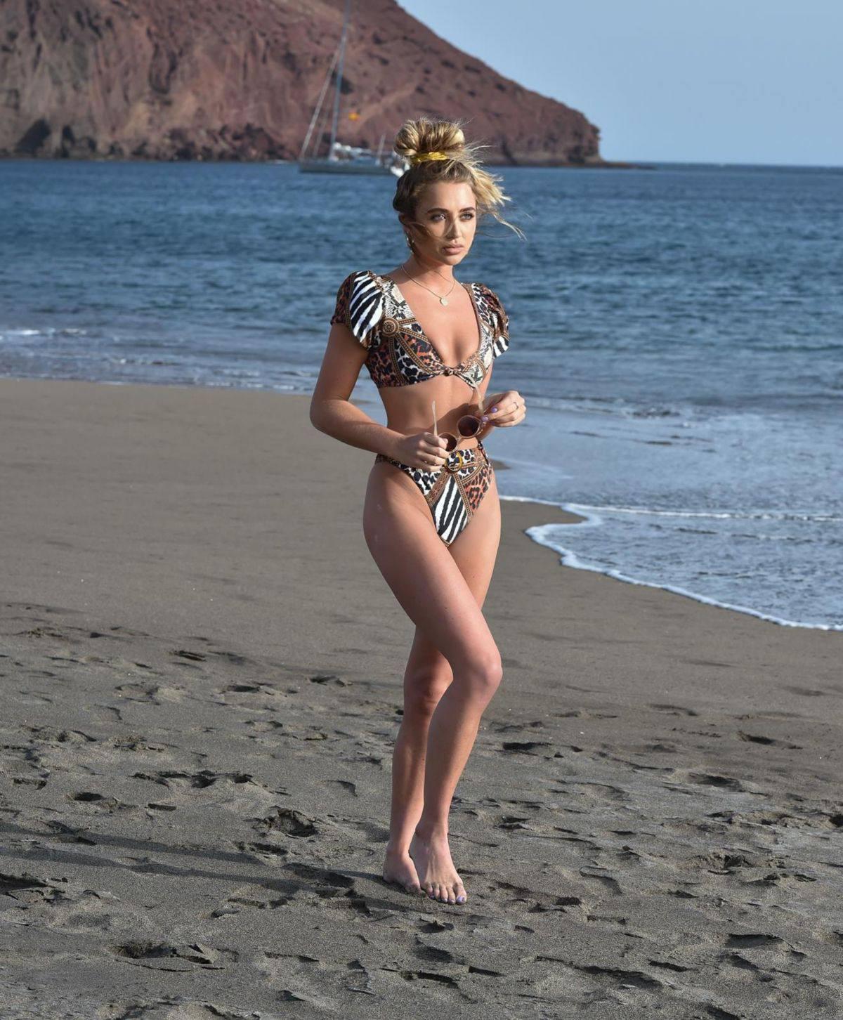 Georgia Harrison Sexy Body In Bikini