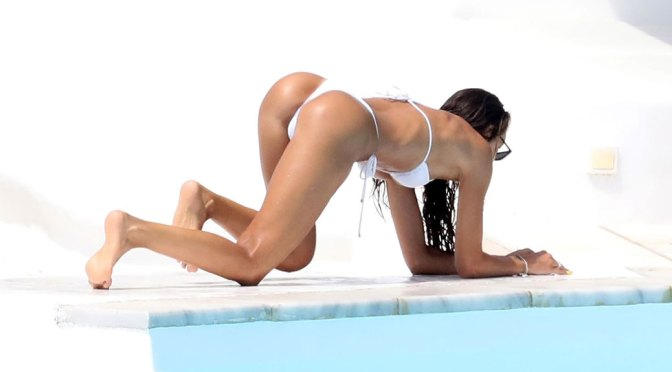 Izabel Goulart Fantastic Ass In Tiny Thong Bikini
