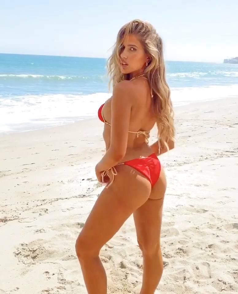 Kara Del Toro Sexy In Bikini