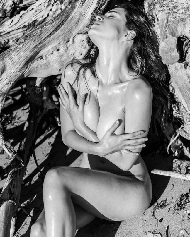 Lauren Summer Nude Boobs