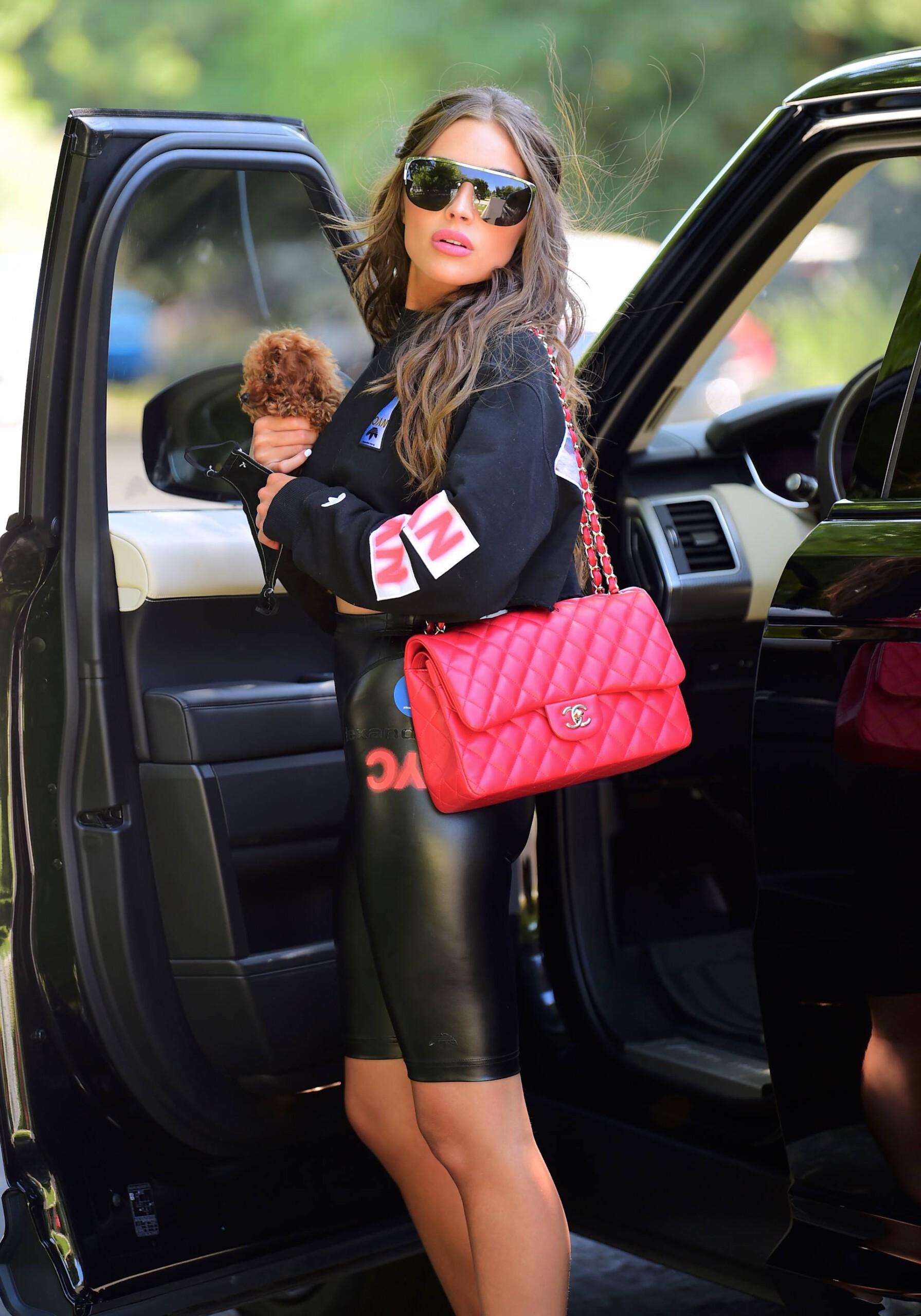 Olivia Culpo Beautiful In Spandex