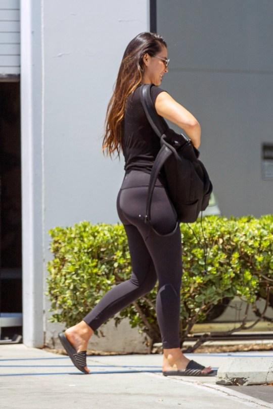 Olivia Munn Sexy Pokies