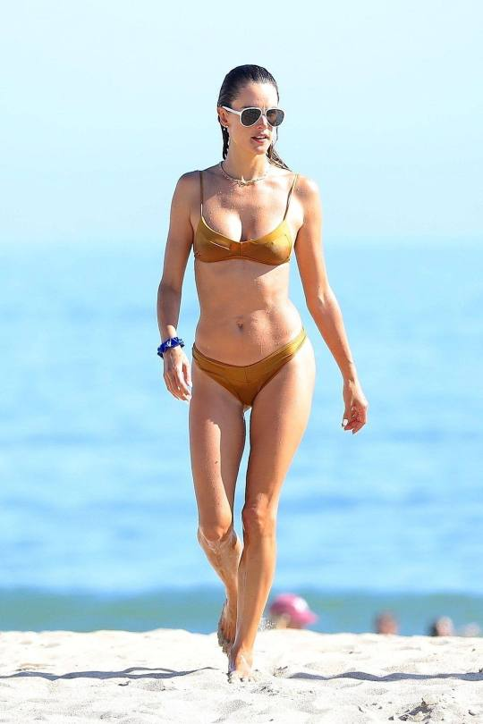 Alessandra Ambrosio Hot Body