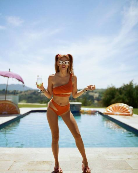 Bella Thonre Sexy Bikini