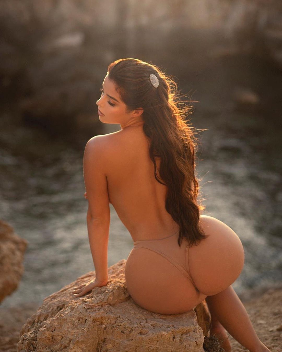 Demi Rose Mawby Fantastic Big Ass In Thong