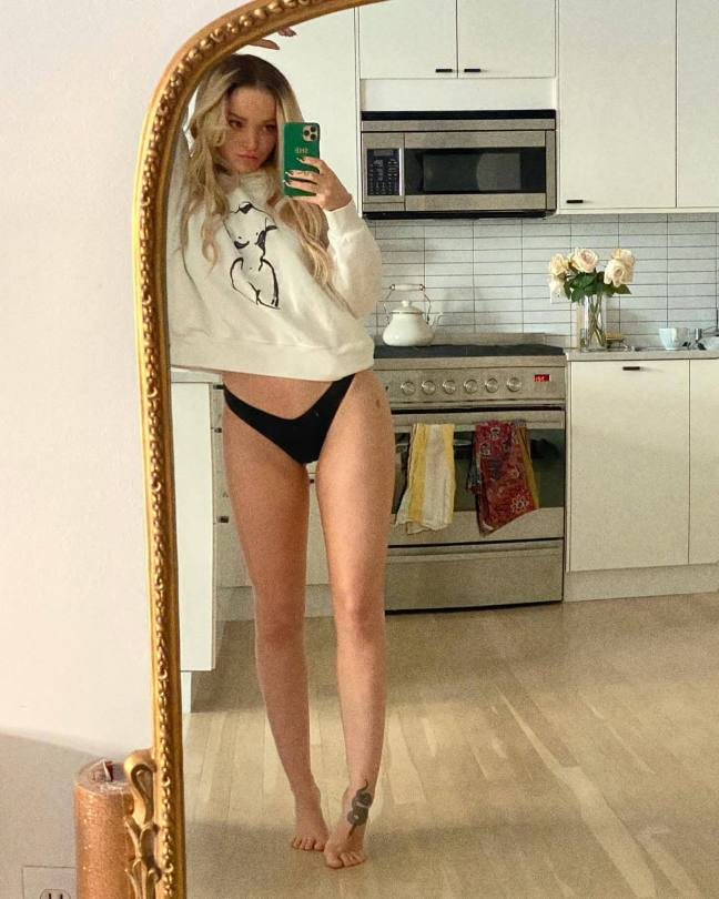 Dove Cameron Sexy In Black Panties