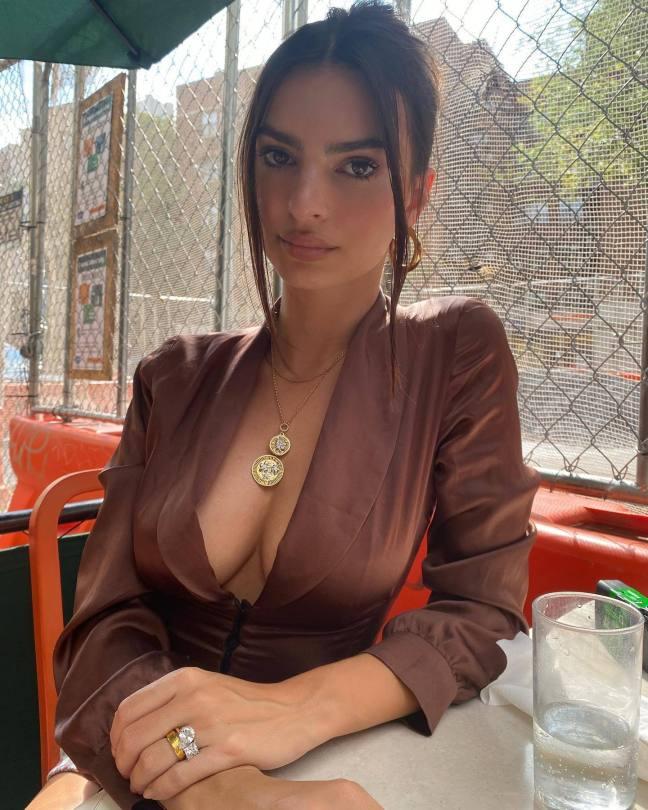 Emily Ratajkowski Sexy Cleavage