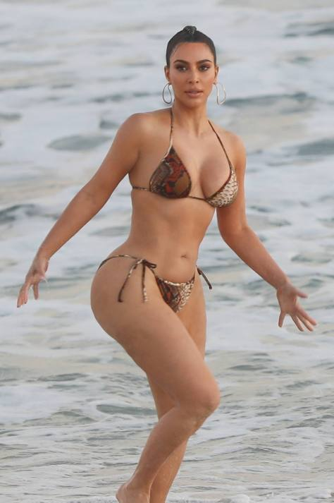 Kim Kardashian Sexy As Beach