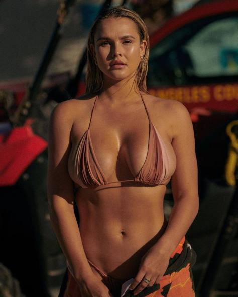Kinsey Wolanski Beautiful Breasts