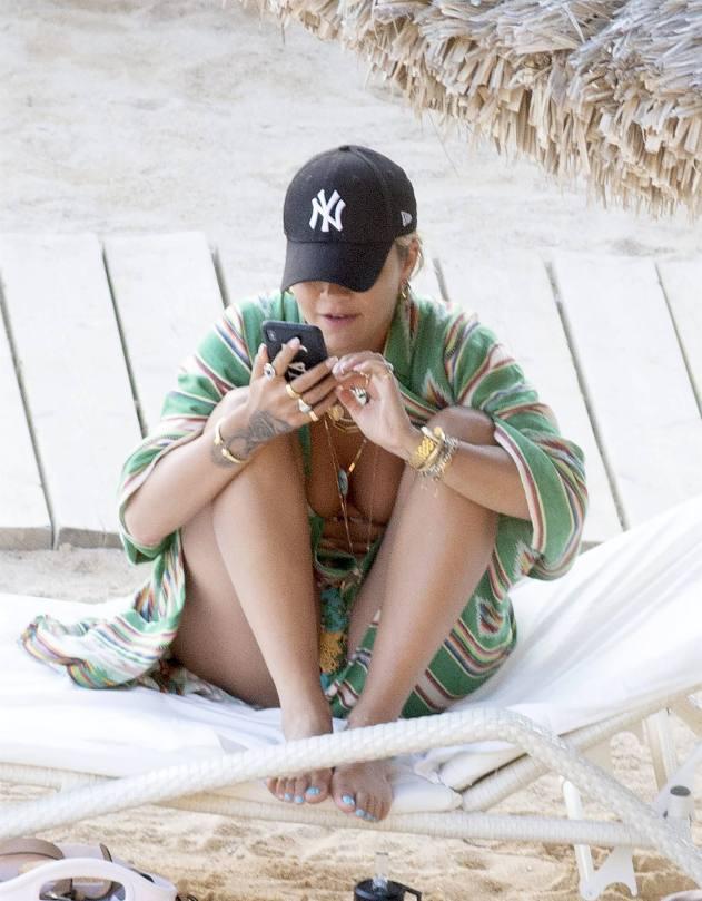 Rita Ora Beautiful In Bikini