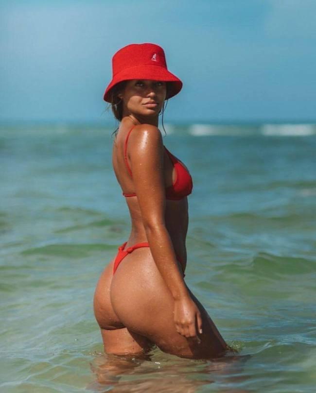 Sofia Jamora Sexy In Bikini