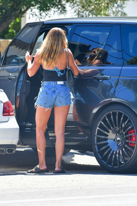 Sofia Richie Leggy In Shorts