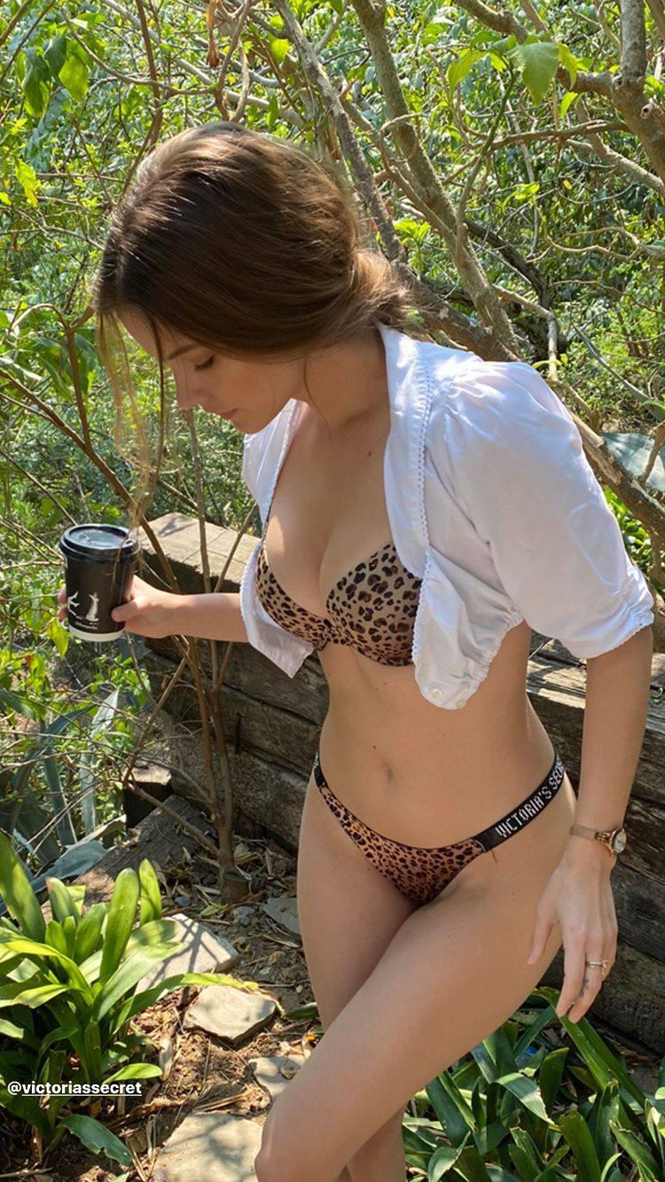 Barbara Palvin Sexy Body In Underwear