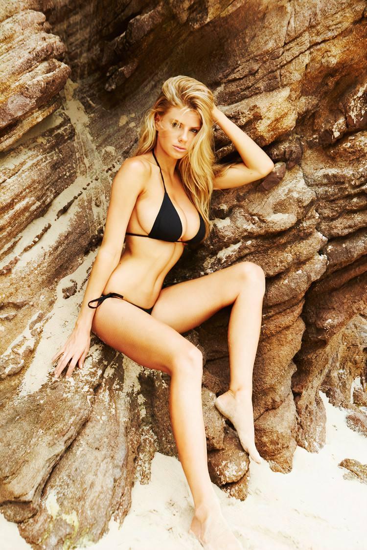 Charlotte Mckinney Fantastic Breasts