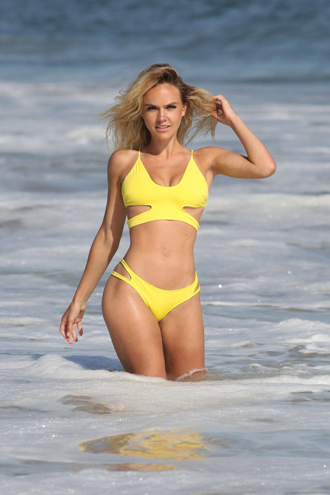 Dasha Inyutkinama Sexy Yellow Bikini