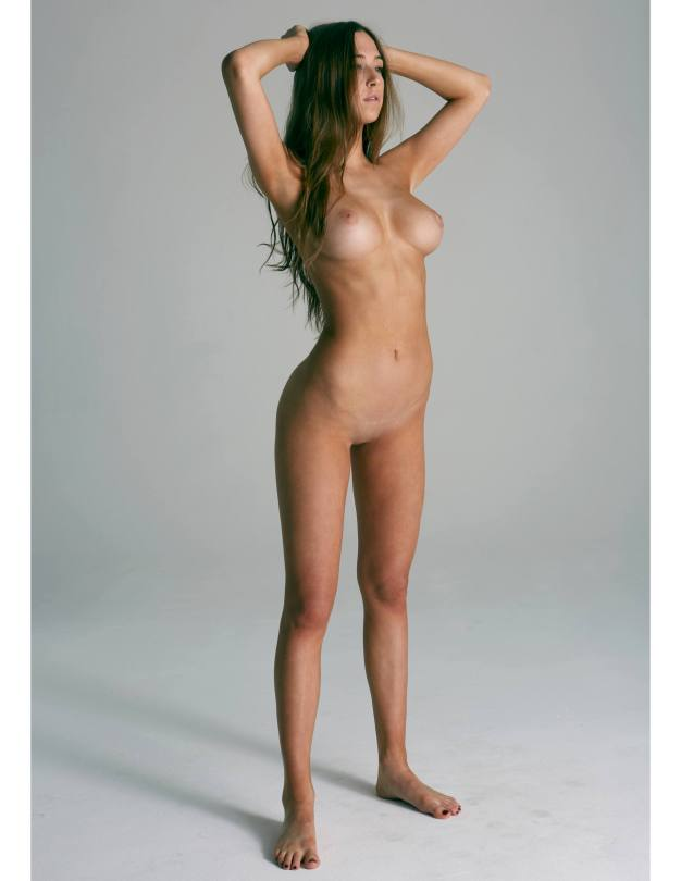 Elsie Hewitt - Fantastic Body in Naked Photoshoot for Treats Magazine (NSFW)