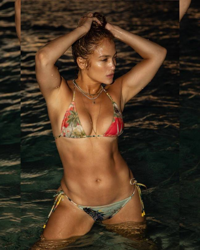 Jennifer Lopez Spectacular Body In Bikini