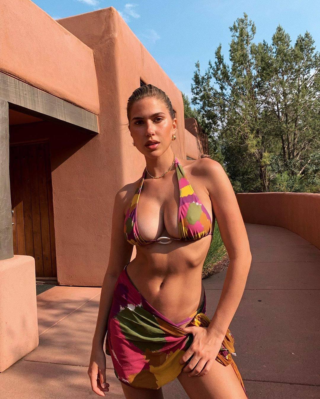 Kara Del Toro Beautiful Tits In Bikini