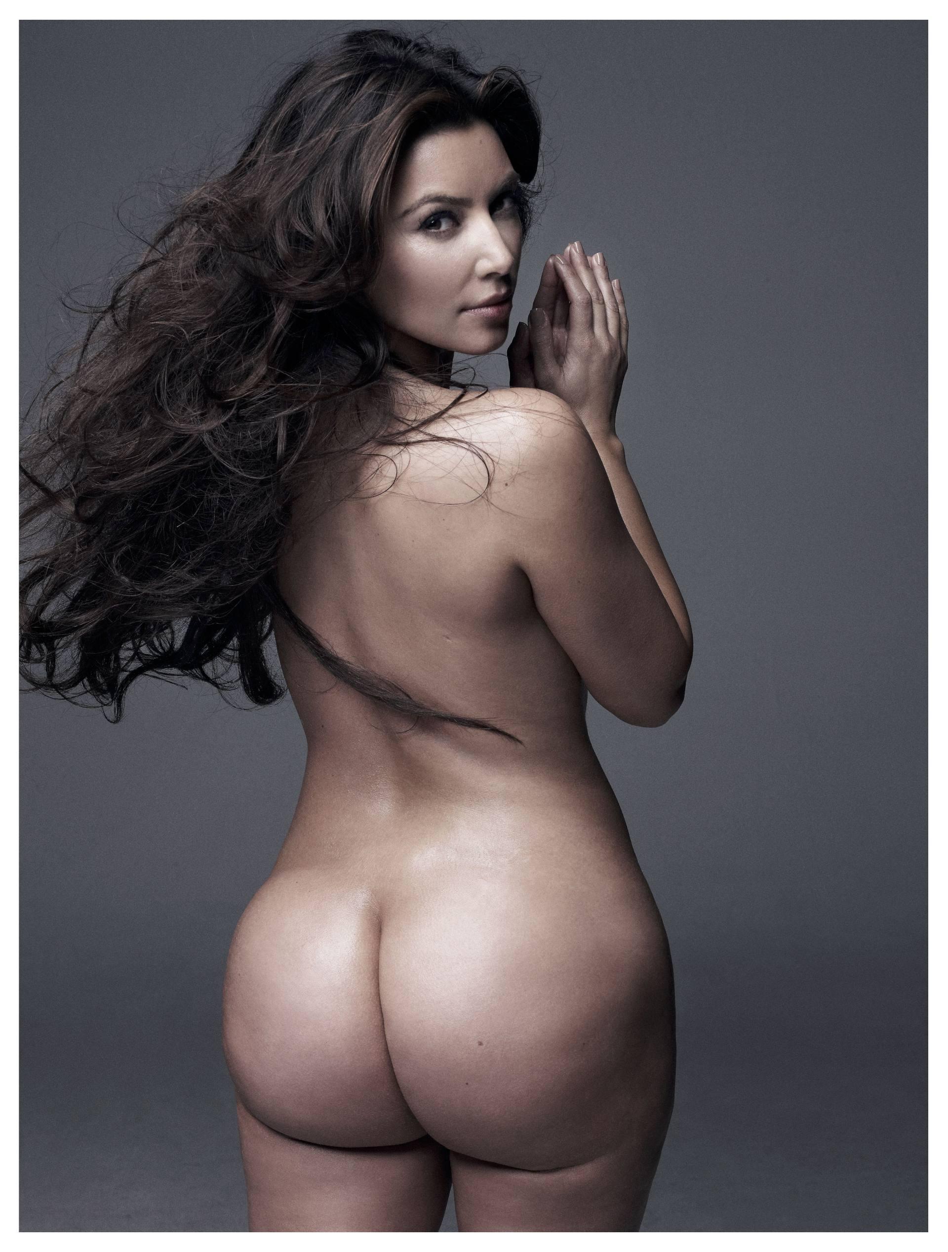 Kim Kardashian potpuno gola - fotografija 01
