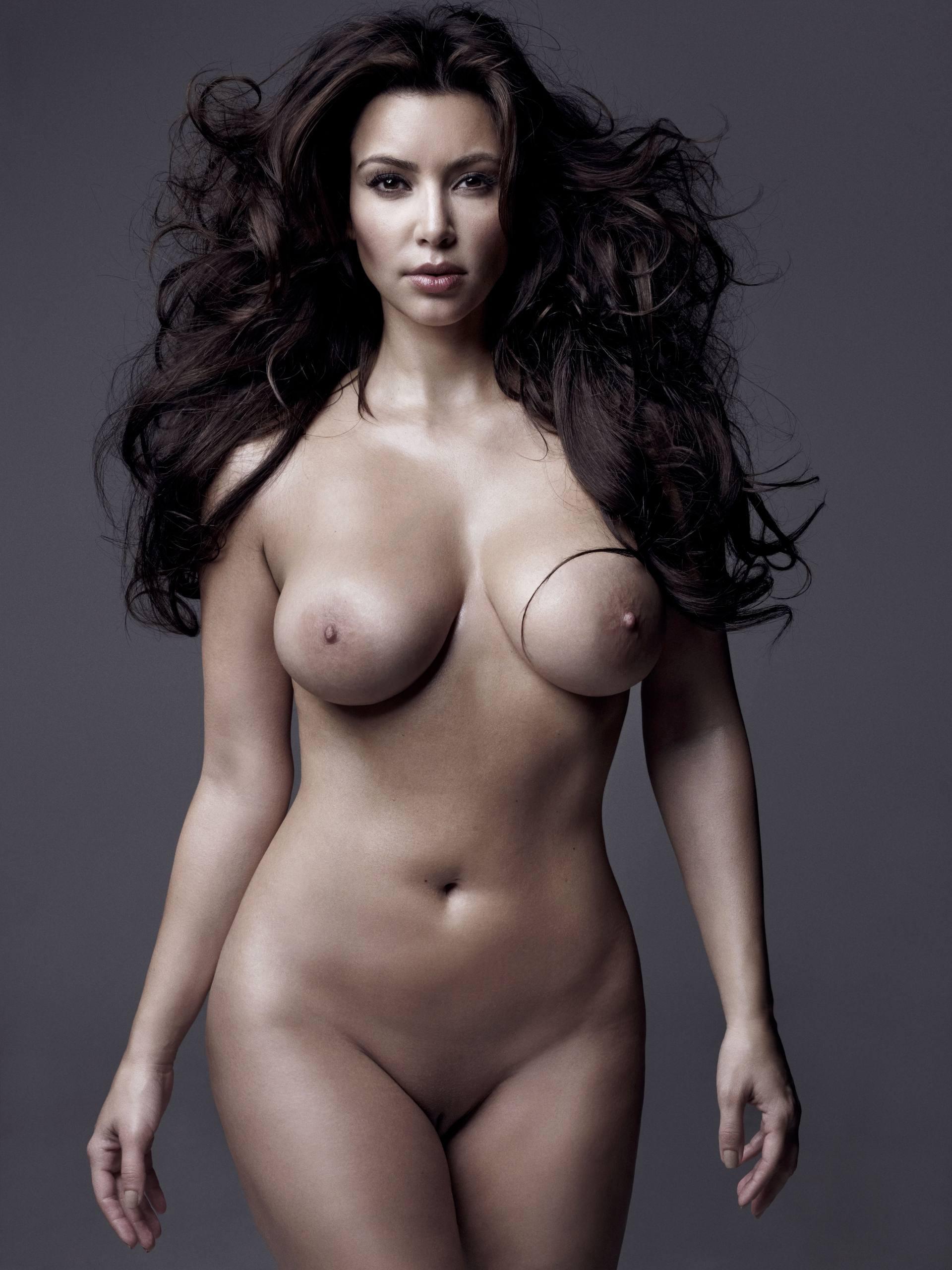 Kim Kardashian potpuno gola - fotografija 05