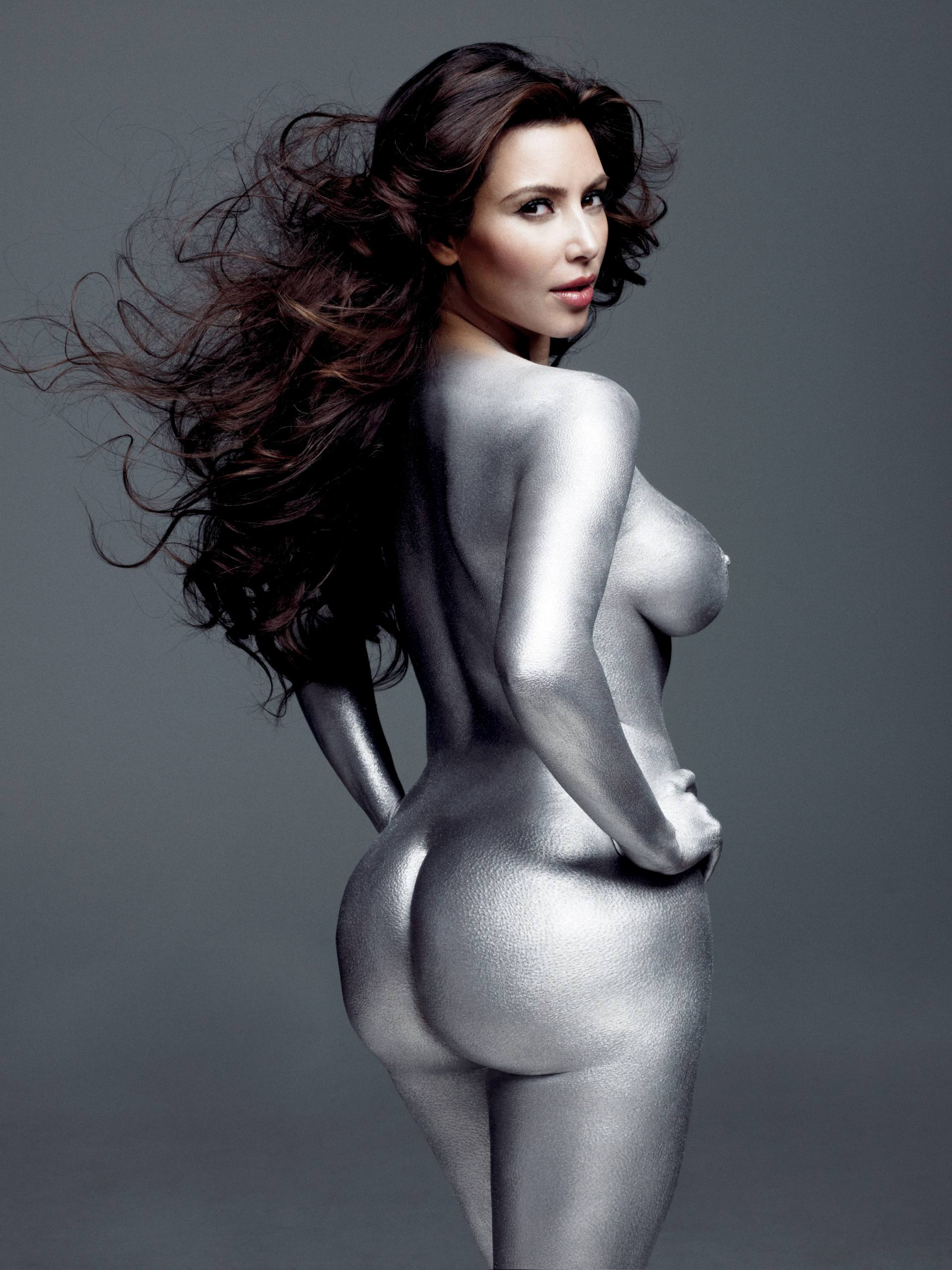Kim Kardashian potpuno gola - fotografija 06