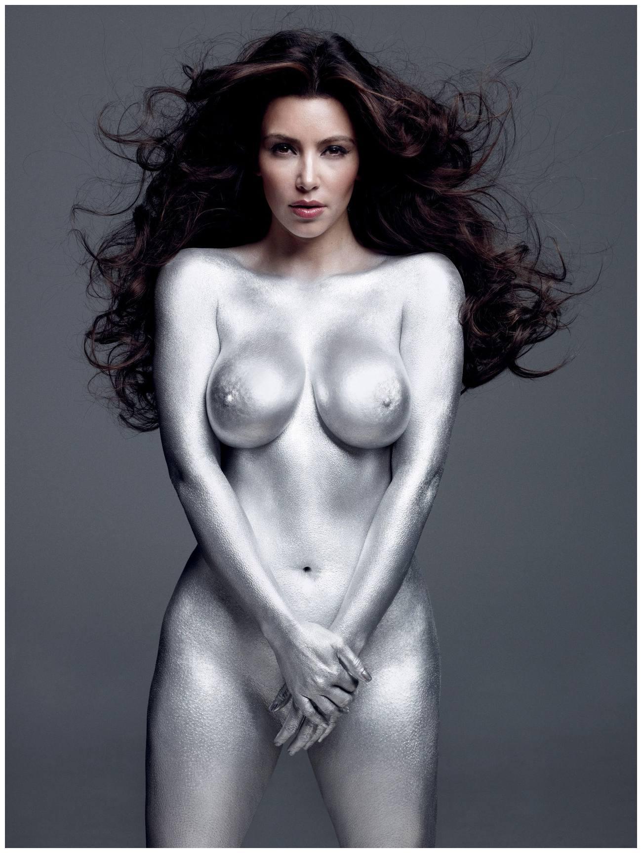 Kim Kardashian potpuno gola - fotografija 07