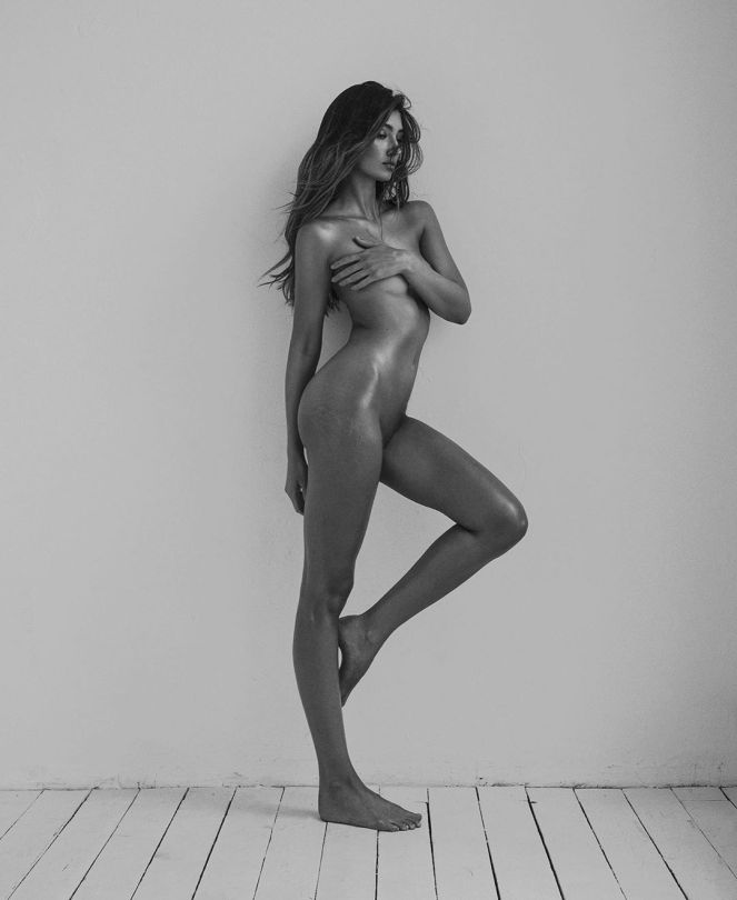 Lorena Rae - Beautiful Body in Naked Photoshoot by Lina Tesch