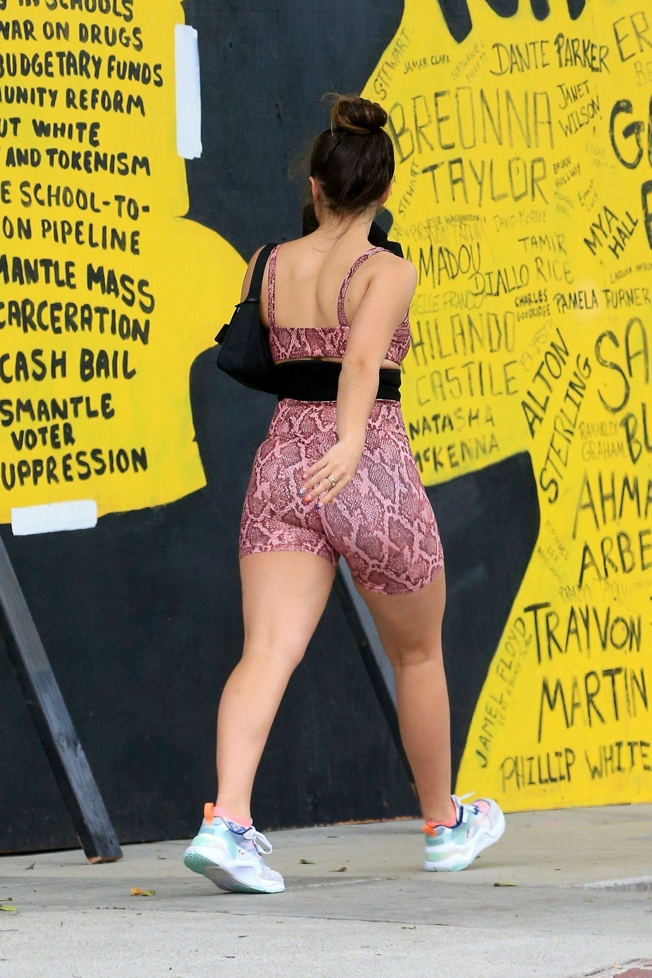 Addison Rae Sexy Body