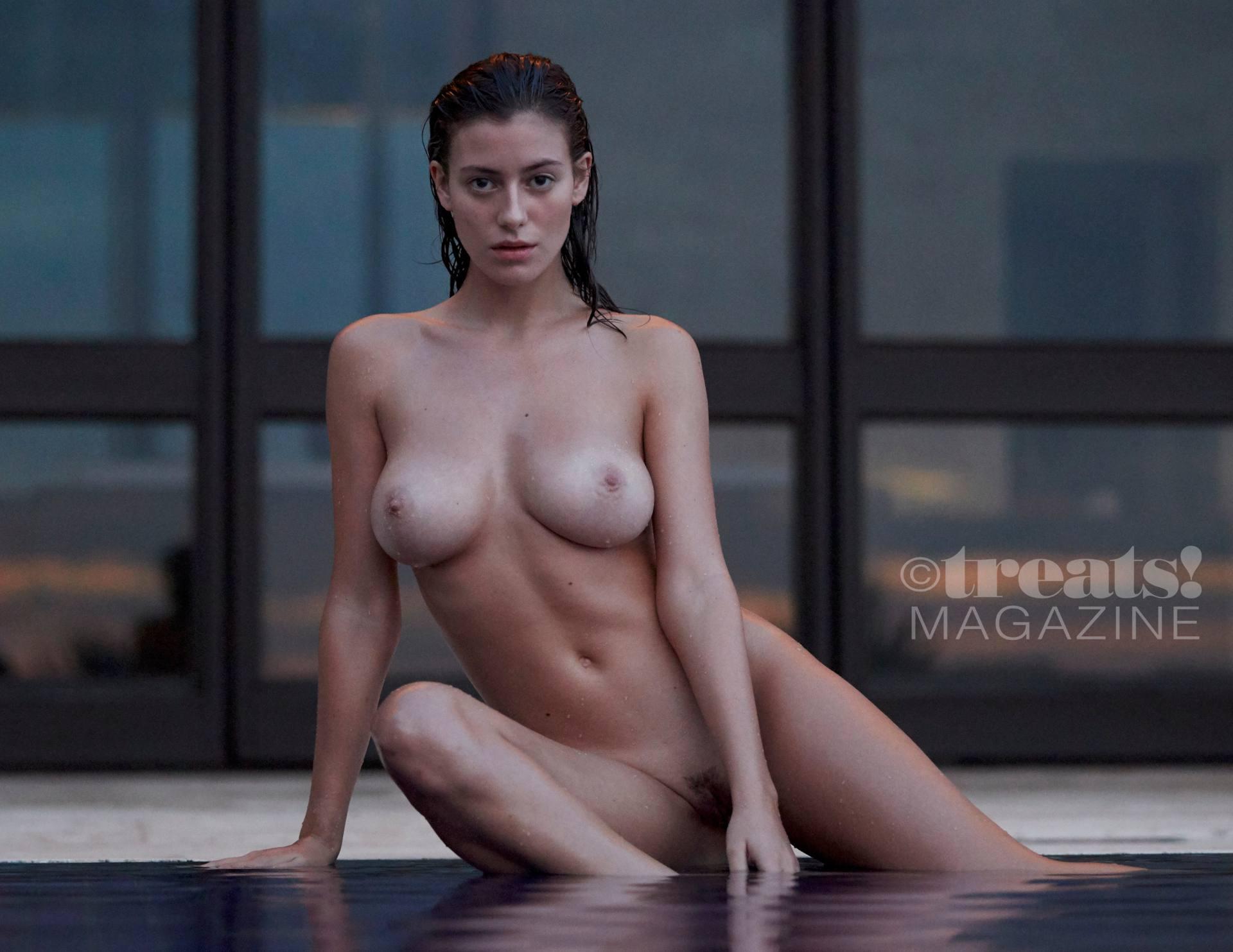 Alejandra Guilmant Nude Photos