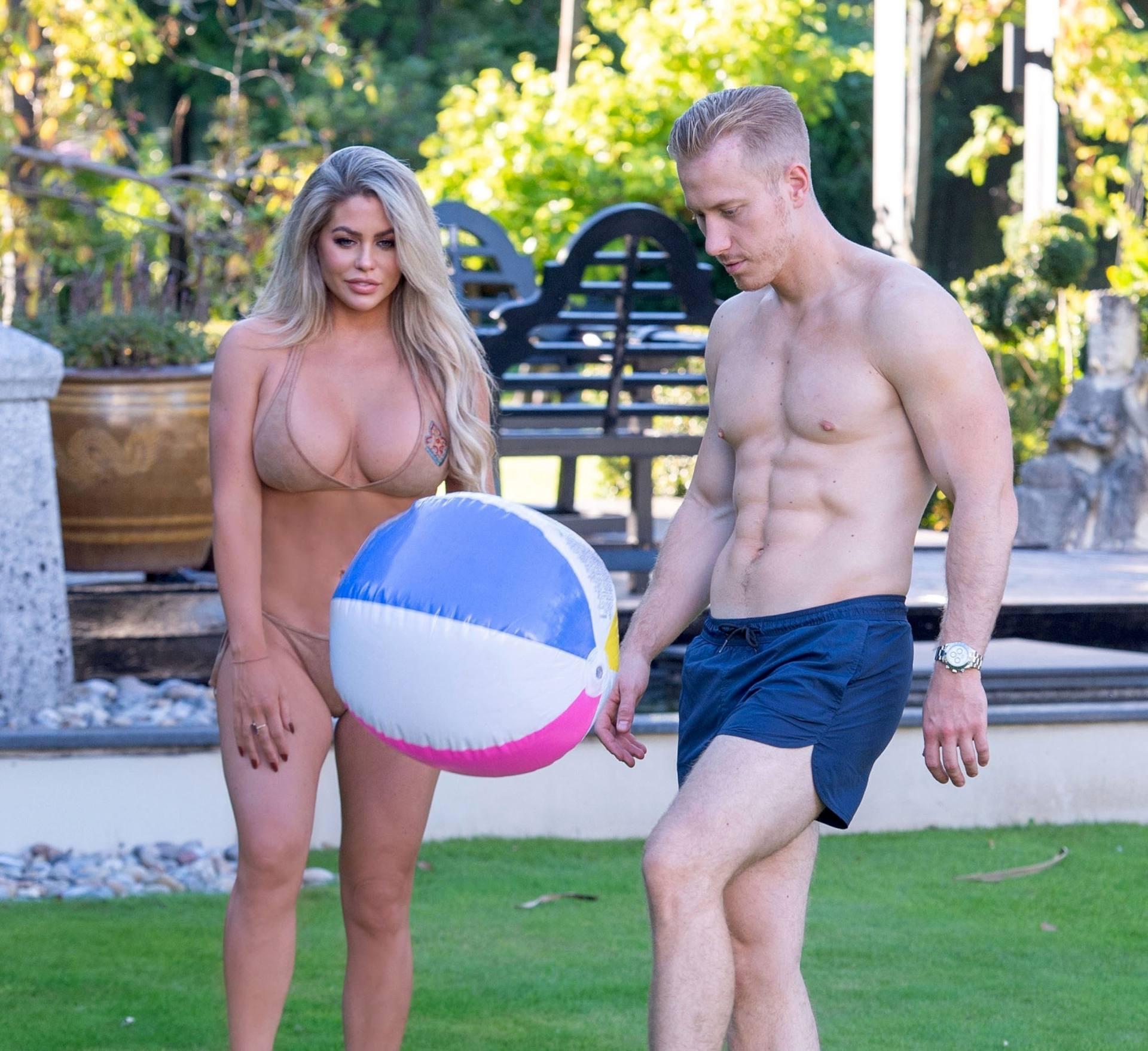 Bianca Gascoigne Hot Body In Bikini
