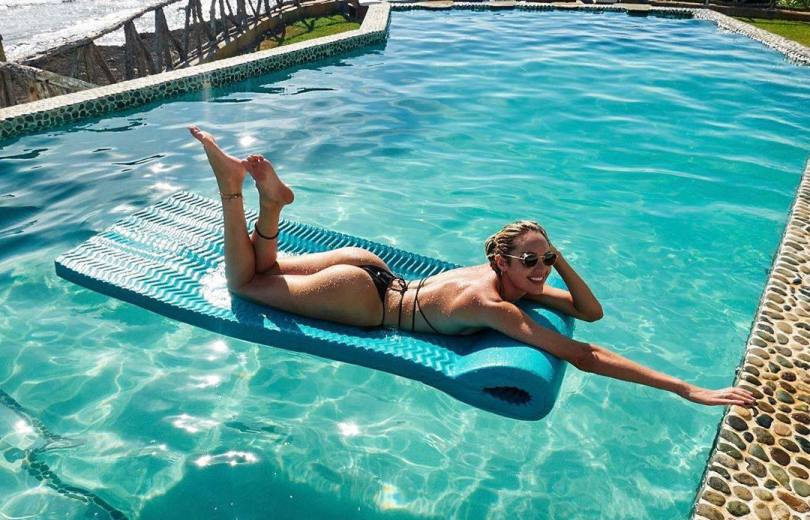 Candice Swnaepoel Sexy Ass