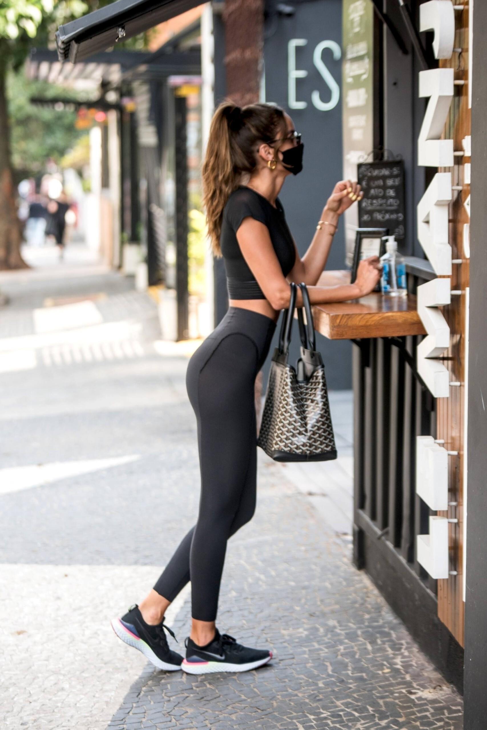 Izabel Goulart Sexy In Leggings | Hot Celebs Home