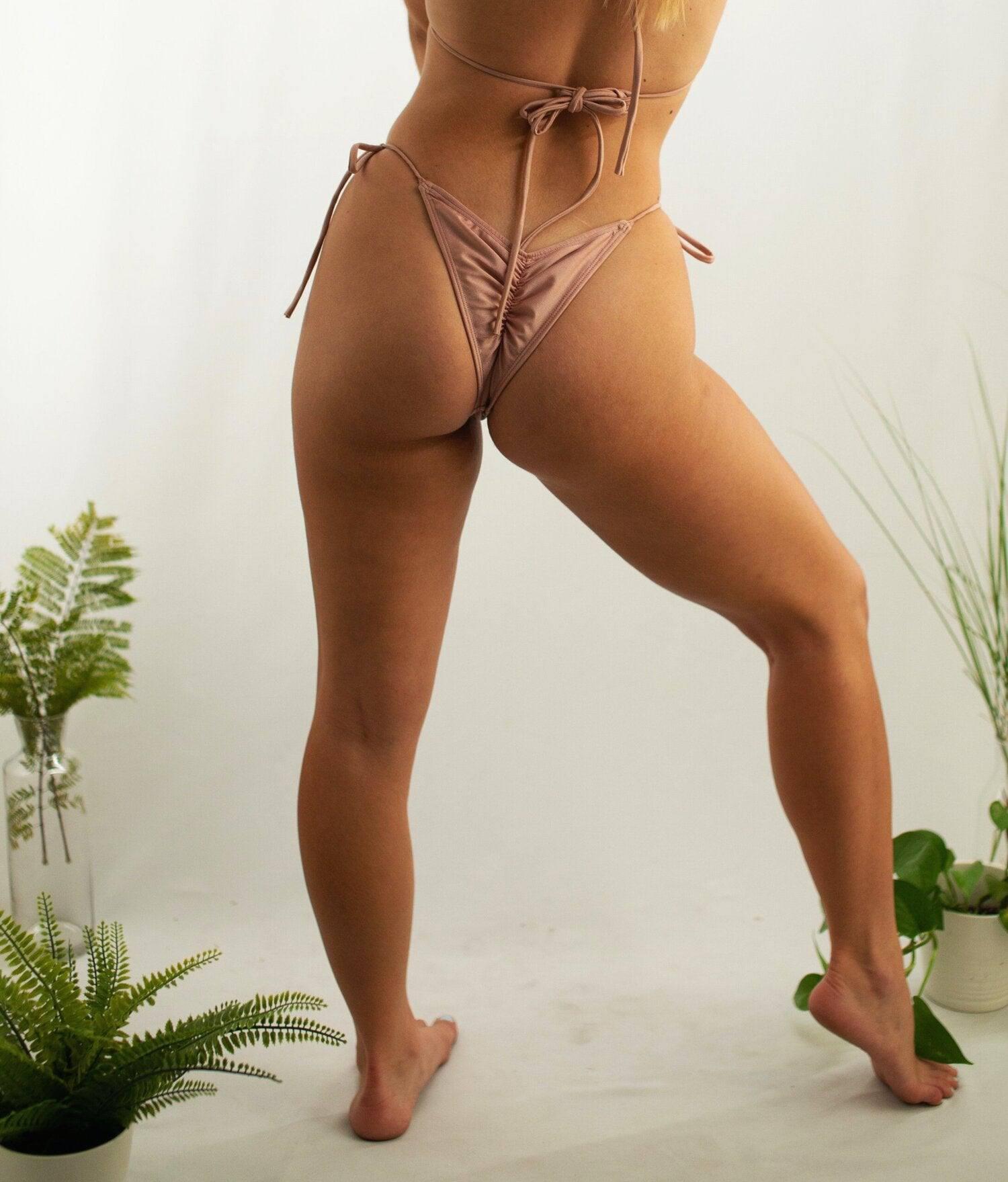 Lexee Smith In Tiny Bikini