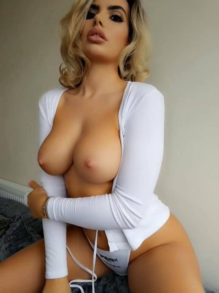 Megan Barton Hanson Topless