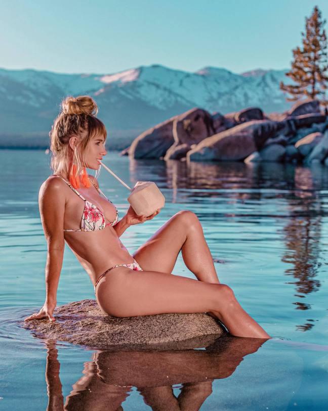 Sara Underwood Hot Body In Bikini