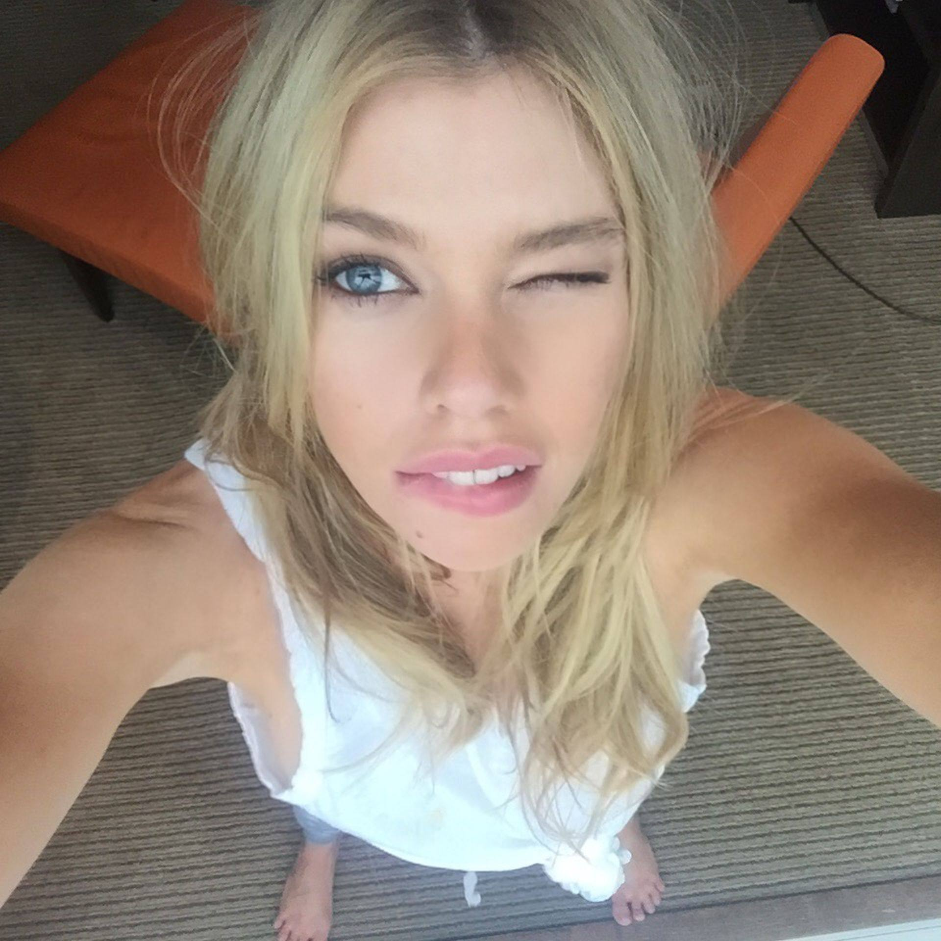 Stella Maxwell Private Pics