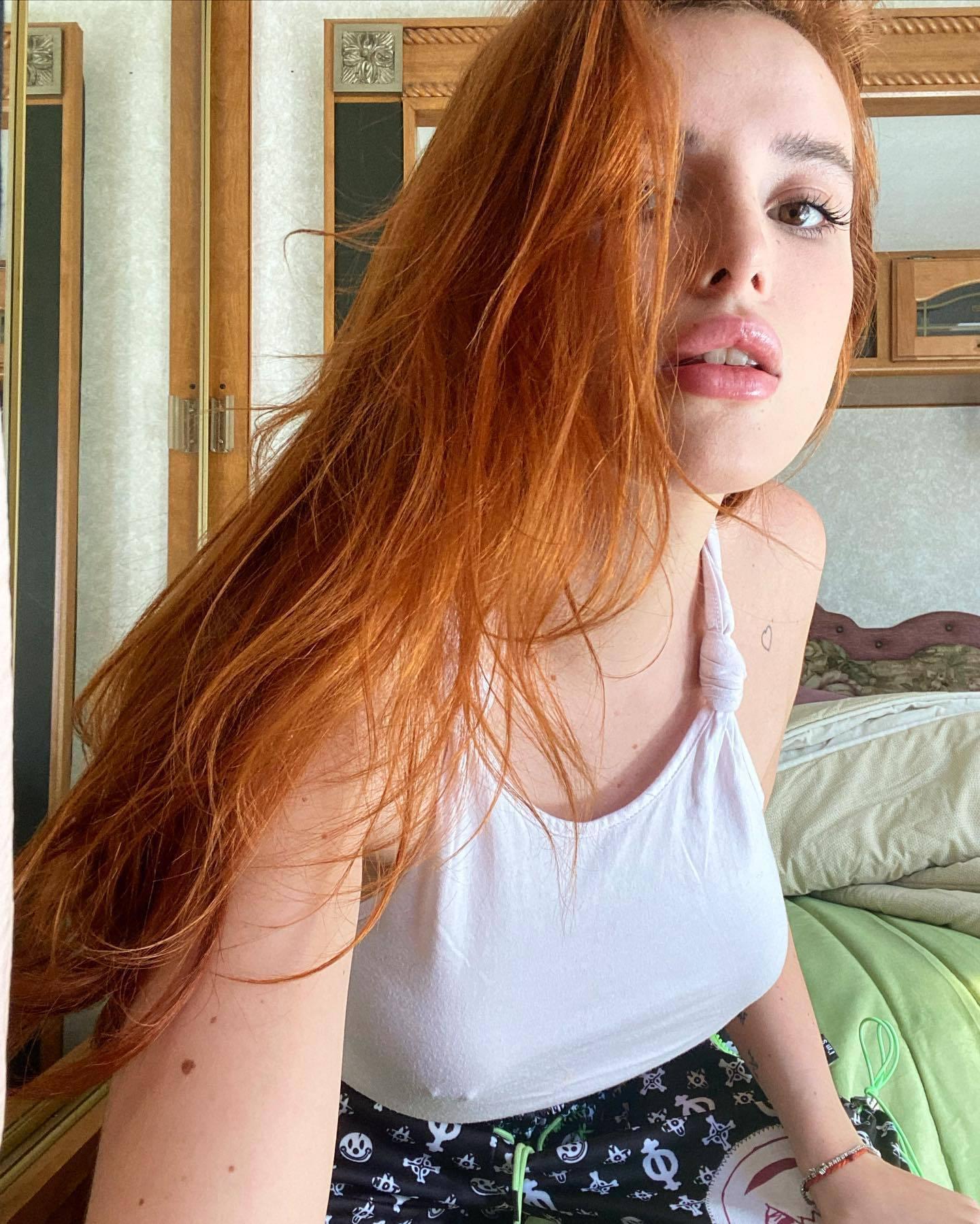 Bella Thorne Braless Underboobs