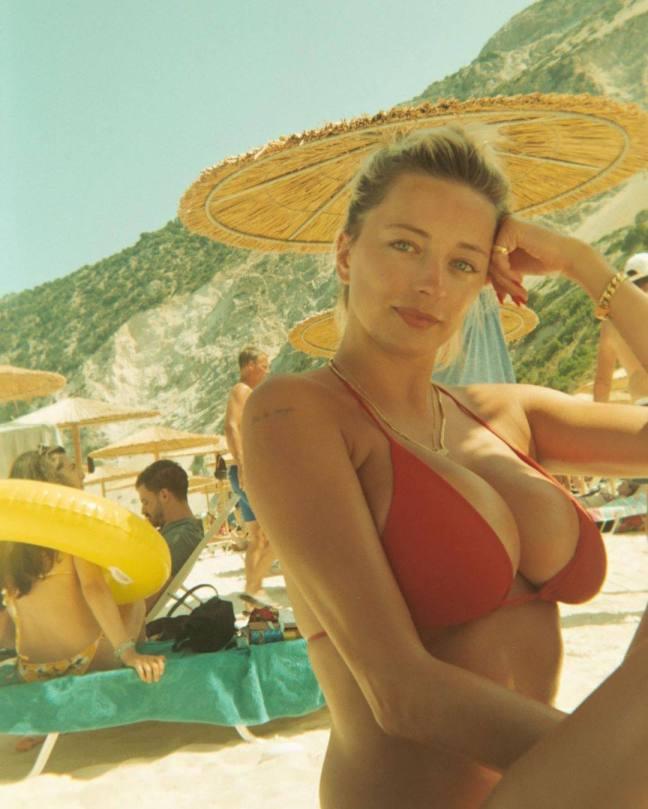 Caroline Vreeland Big Tits In Bikini