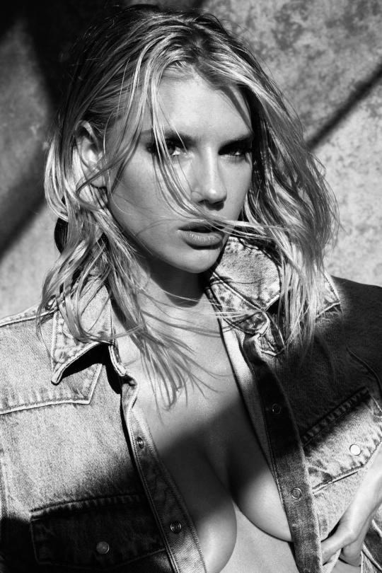 Charlotte Mckinney Hot Photos